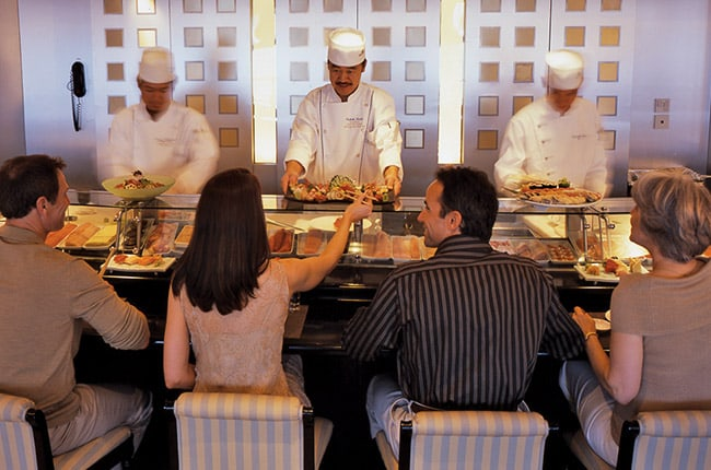 CHEF-INSPIRED SPECIALTY DINING
