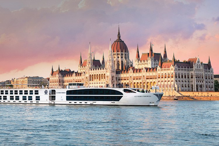 Oxford Club's 2017 Beyond Wealth River Cruise Image